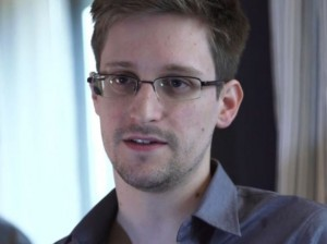 In a on The Guardian's website, Edward Snowden talks about how American surveillance systems work and why he decided to reveal that information to the public.